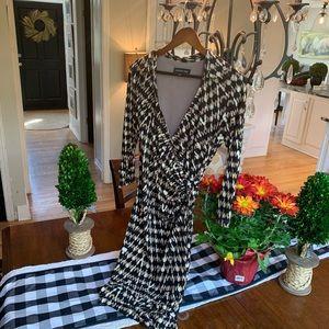 Jones New York beautiful animal print dress! Size6